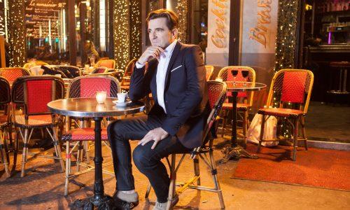Sébastien Lemoine en terrasse de restaurant